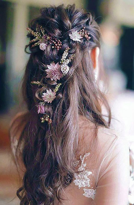 Bridal-Hairstyle-with-Flowers