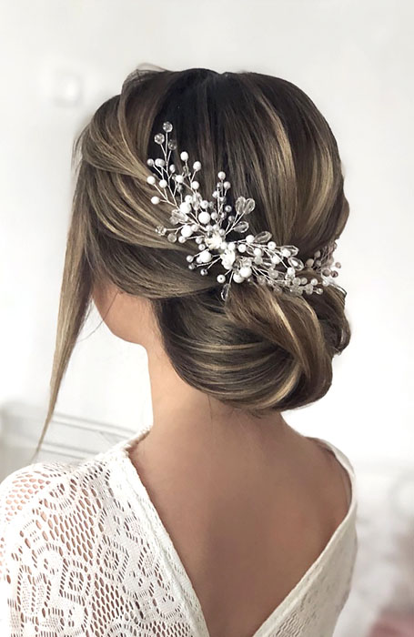 Bridal-Hairstyle-with-Hair-Comb